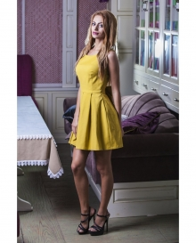Свежа жълта рокля с панделка