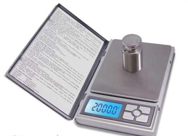 Дигитална електронна везна NOTEBOOK 500 гр - 0,01 гр